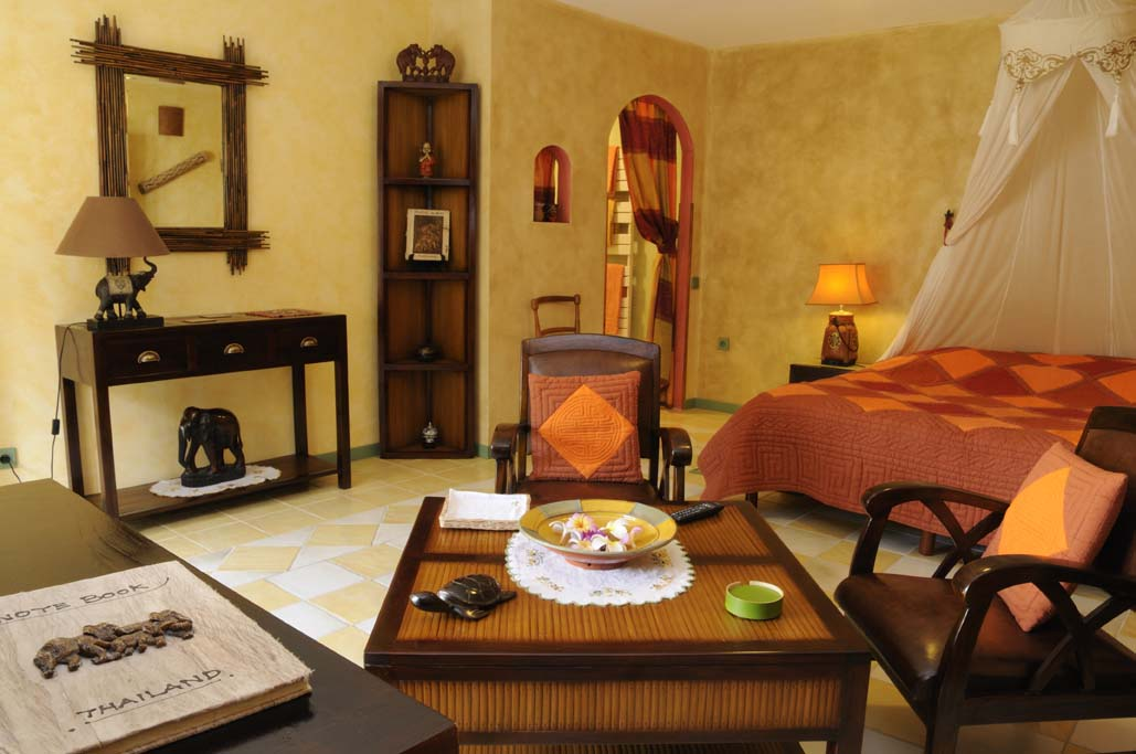 La chambre exotique de la milaudi re une invitation au voyage - Deco chambre exotique ...